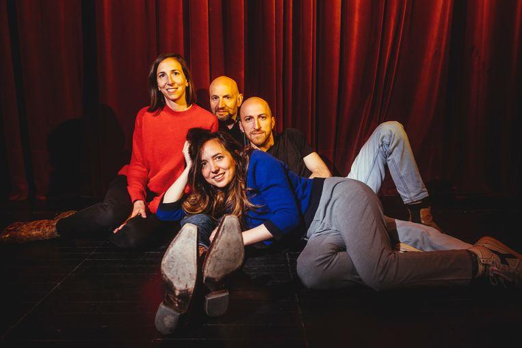 Het gezin-Van den Eede. Ans, Peter en Ramses achteraan, Louise vooraan. Beeld Stefaan Temmerman