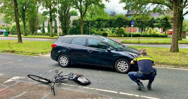 Fietser gewond na aanrijding in Oldenzaal.
