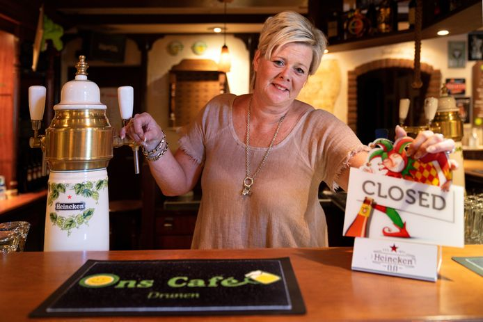 Angela van Bladel stopt met Ons Cafe in Drunen.