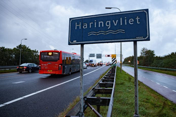 Maandag 23 augustus gingen de beperkende maatregelen voor de Haringvlietbrug in.