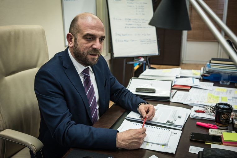 Manos Logothetis, de Griekse onderminister van Migratie. Beeld Zolin Nicola