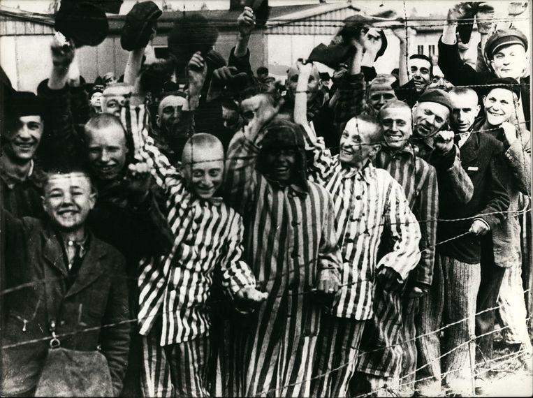 Het concentratiekamp van Auschwitz. Annie Van Paemel: 'Mijn vader wist de bewakers te misleiden tijdens zijn wandelingen en liet voedselresten achter aan de omheining.' Beeld Alamy Stock Photo