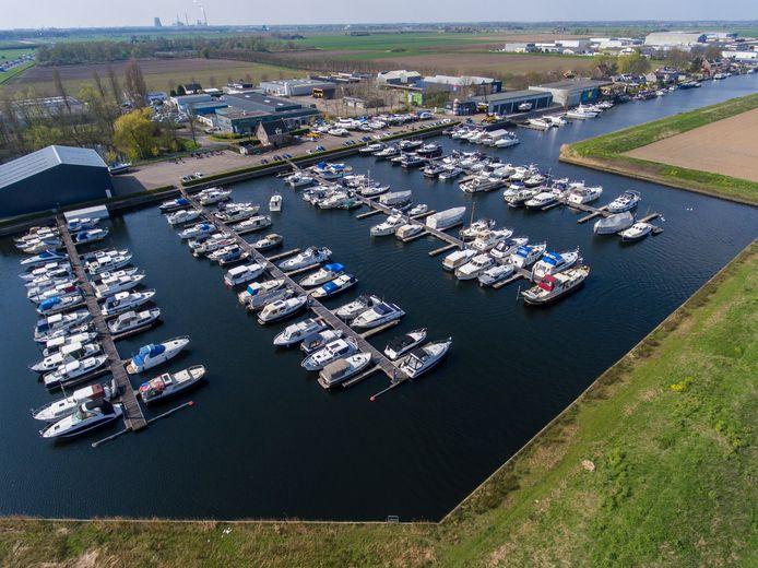 Jachthaven Scharloon in Waspik wordt de nieuwe plek voor de Waalwijkse watersporters.