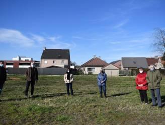 """Buurtbewoners verzetten zich tegen plannen Belevingspark 't Zand: """"Een sportveld op vijf meter van onze hof is een brug te ver"""""""