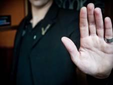 Worden bezoekers met bontkraag of nektasje geweigerd bij horeca? Amersfoort zet mysteryguests in