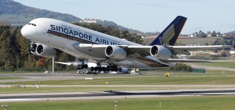 """Singapore Airlines renonce aux """"vols pour nulle part"""", mais propose un repas dans un A380 sur le tarmac"""