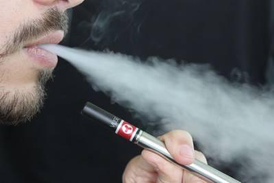 VS start onderzoek naar gevolgen e-sigaret na 120 nieuwe longpatiënten