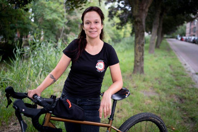 Anneke Krols gaat de Belgische landsgrens af fietsen.