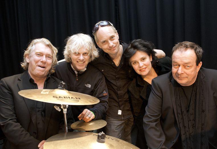 Portret van de Nederlandse band The Scene. Rechts frontman Thé Lau. Beeld anp