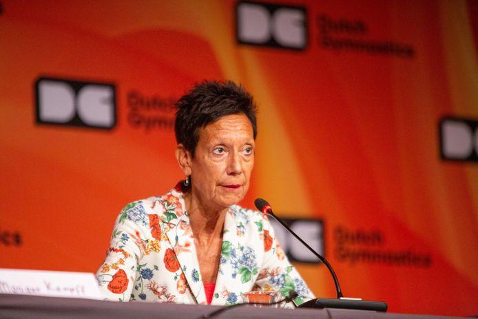 KNGU-voorzitter Monique Kempff maakte op Papendal bekend dat het topsportprogramma van de turnsters voorlopig wordt stopgezet.