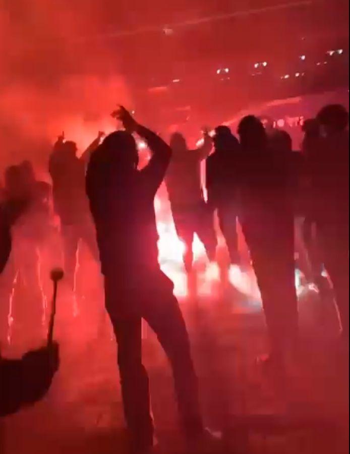 Gemeente en politie vrezen taferelen zoals na de laatste match in de reguliere competitie eind april, waarbij Waasland-Beveren nipt degradatie ontliep. Supporters kwamen toen met Bengaals vuurwerk de spelers verwelkomen op de Freethiel.