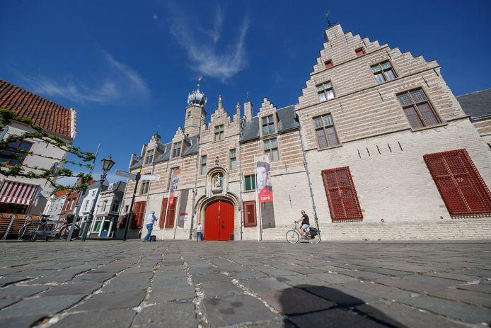 Stadspaleis het Markiezenhof moet als gebouw al bezoekers trekken. De museumfunctie wordt versoberd.