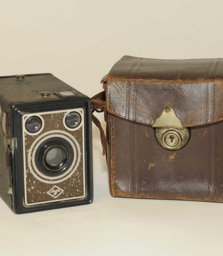 Fototoestel met historische waarde naar Bevrijdingsmuseum