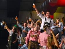 Volop bier en bratwurst op Oktubberfest in Tubbergen