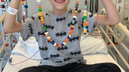 """Tienjarige Wout heeft botkanker en wil iets terugdoen voor het goede doel: """"De bestellingen aan Poeperoentjes stromen binnen"""""""