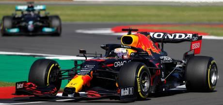 Strijd tussen Verstappen en Hamilton verhardt: 'Er zat duidelijk nog wat frustratie'