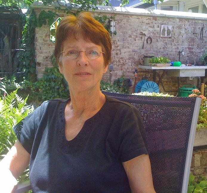 Hanneke van Veen richtte met haar man de Vrekkenkrant op, waarmee ze in de jaren 90 furore maakte.