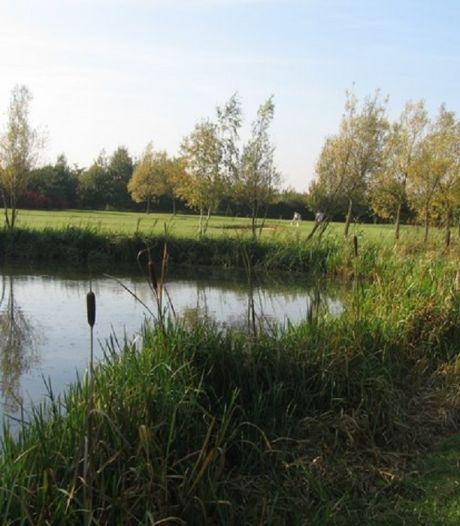 Golfer verdrinkt in vijver bij zoeken bal