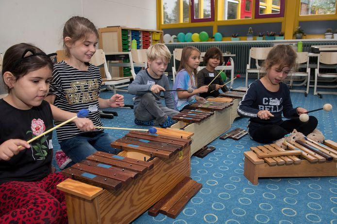 Een feestje voor 25 jaar Montessorischool in Tiel.