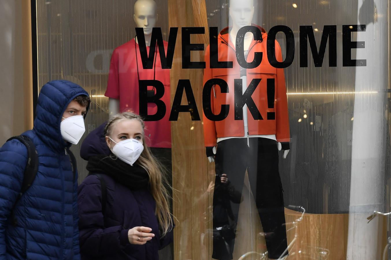 Winkels verwelkomden hun klanten terug na de eerste lockdown in mei. Archiefbeeld.