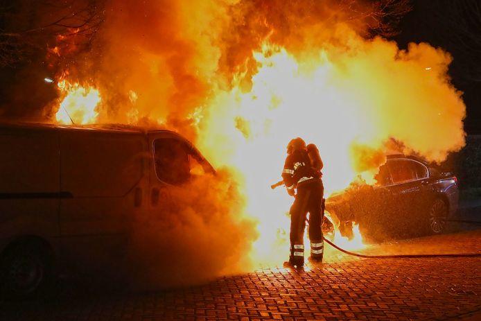 Opnieuw een hevige autobrand in Oss