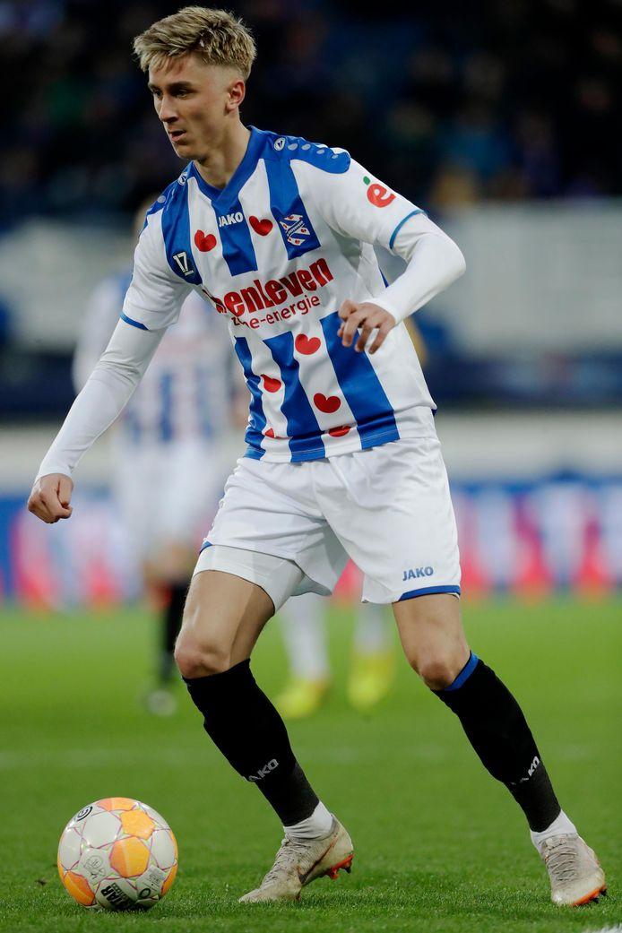 Ajax-speler Dennis Johnsen (21) is op weg naar PEC Zwolle.