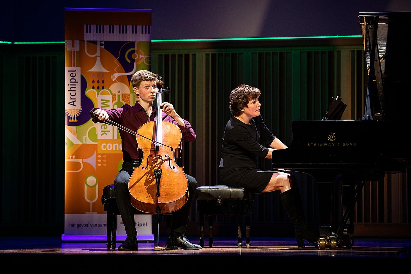 Thomas Prchal (16)  brengt nogmaals zijn winnende compositie ten gehore tijdens het Archipel Muziek Concours