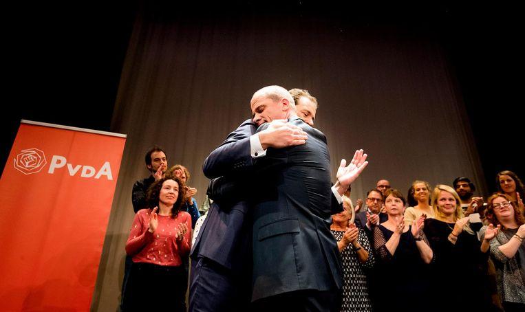 Samsom en Asscher tijdens de uitslag van de PvdA-lijsttrekkersverkiezing Beeld ANP
