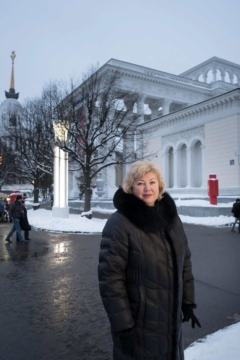 Galina Smirnova (45) is werkloos journaliste en woont met haar dochter in Moskou. Beeld Trouw