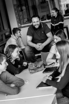 Marco genomineerd als beste leraar: 'De geschiedenis tastbaarder maken, dat is mijn doel'
