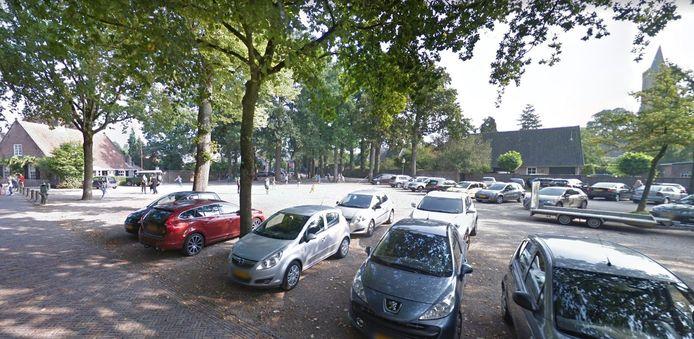 Het plein in Amerongen zoals het er nu bij ligt.