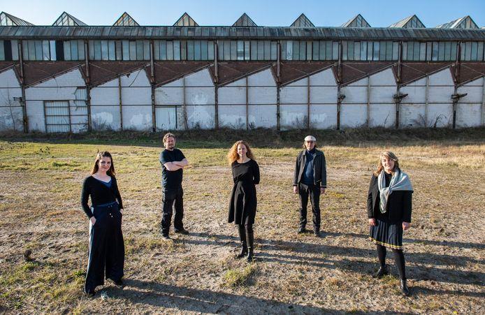 Leden van de Creatieve Coalitie, met v.l.n.r. Lisette Spee (Electron), Tim van den Burg (Brack),  Fleur van Muiswinkel (Breda Photo), Ron Dirven (Tranzforma) en Marieke Wiegel (Grote Kerk).
