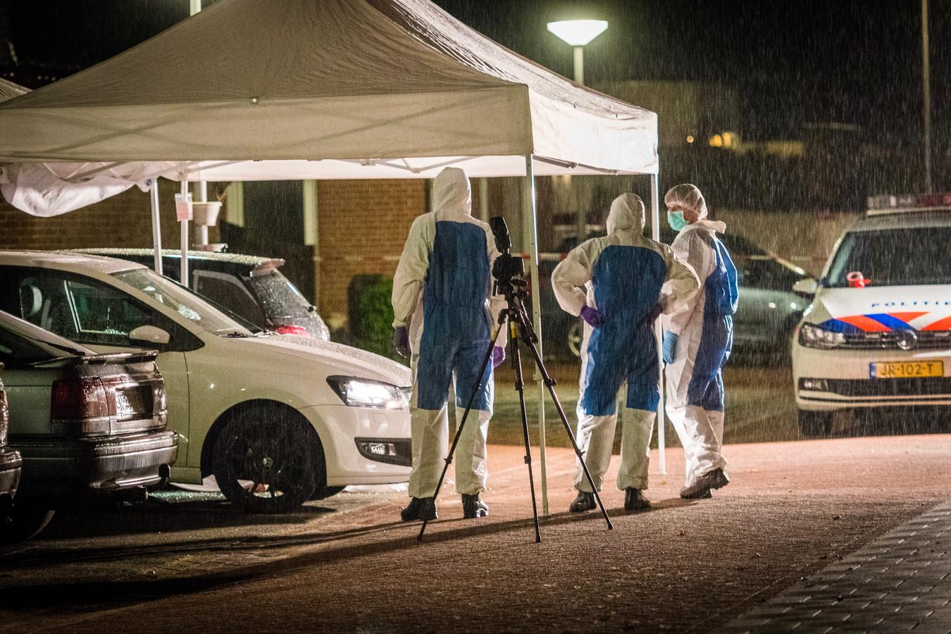 Onderzoek na de gewelddadige dood van Dennis Struijk in de Johannes Klingenstraat in Best.