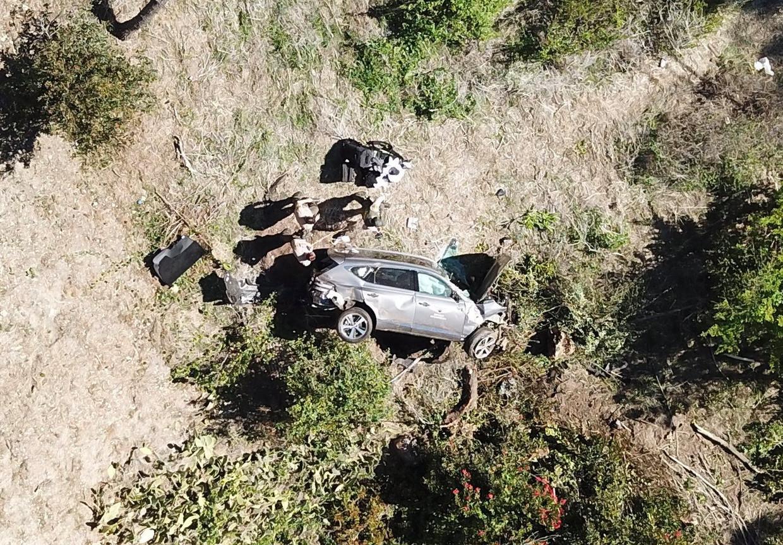 Golfgod Tiger Woods liep tijdens een zwaar auto-ongeval breuken aan beide benen op.