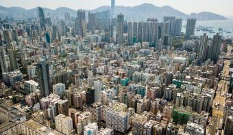 Wie zwemt in het geld, gaat naar Hongkong