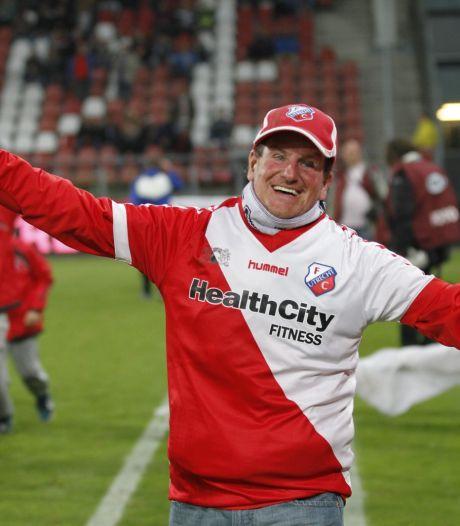 Laatste wens overleden FC Utrecht-icoon Adje (55) in vervulling: 'Nog één keer met zijn kist bij Galgenwaard zijn'