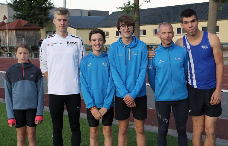 Jana Gevers, Thomas Vanoppen, Sean Van Hullebus, Senne Van Gelder, Stefan Rens en Brent Bakelants.