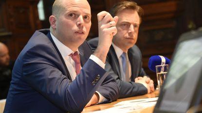 """De Wever ziet geen graten in uitspraken 'Air Francken': """"Trots op werk dat ik met hem heb kunnen verzetten"""""""