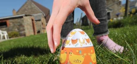 Drôle de Pâques à Amay: une boîte d'essuie-tout tombe du ciel