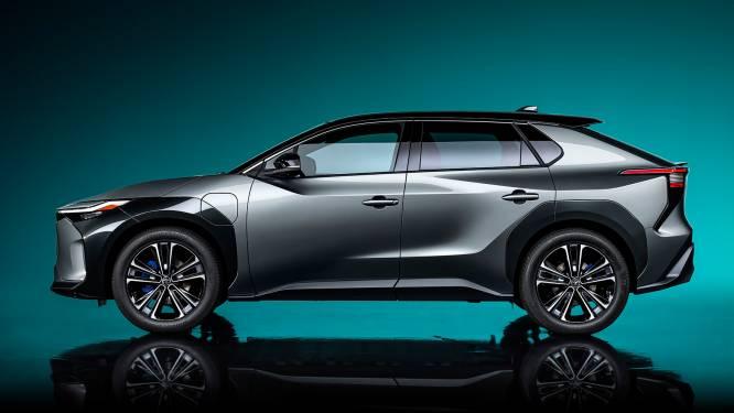 Toyota valt van geloof en presenteert allereerste elektrische auto: de bZ4X