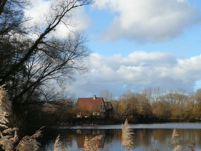 Aan de rechterkant van deze foto zou de nieuwbouw voor het Eindhoven Museum moeten komen.