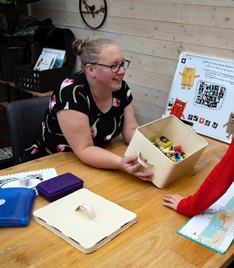 Astense is coach in gezinnen met kind met beperking 'Ook zus of broer heeft hulp nodig'