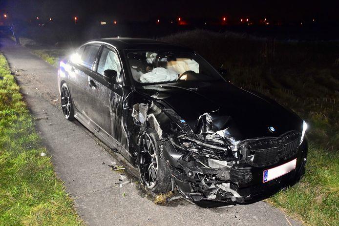 De bestuurder van deze BMW raakte niet gewond.