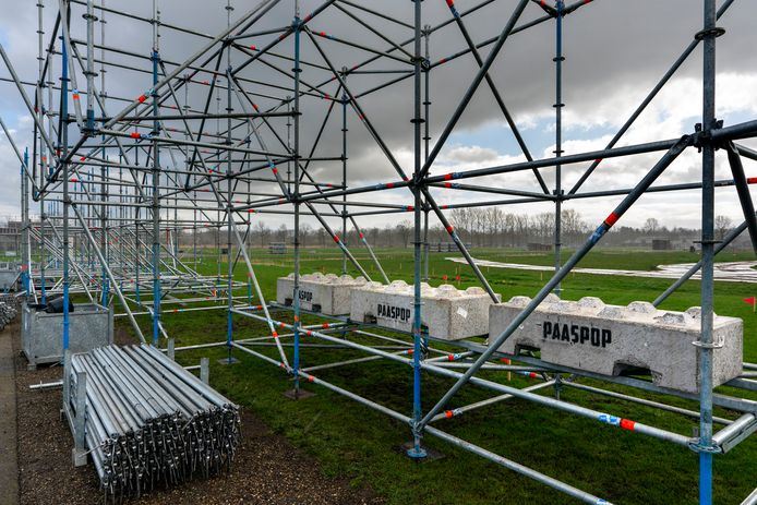 Nederland,  Schijndel , een stileven zonder werklieden die aan het oipbouwen zijn voor  festival Paaspop.