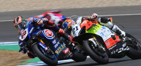 Van der Mark valt uit bij hervatting WK Superbike: 'Voelde dat iets niet goed was'