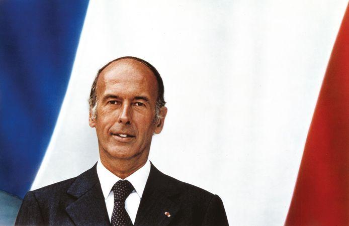 Het officiële portret van Valéry Giscard d'Estaing, van de hand van Jacques-Henri Lartigue. Stijlbreuk met alles wat voorafging.