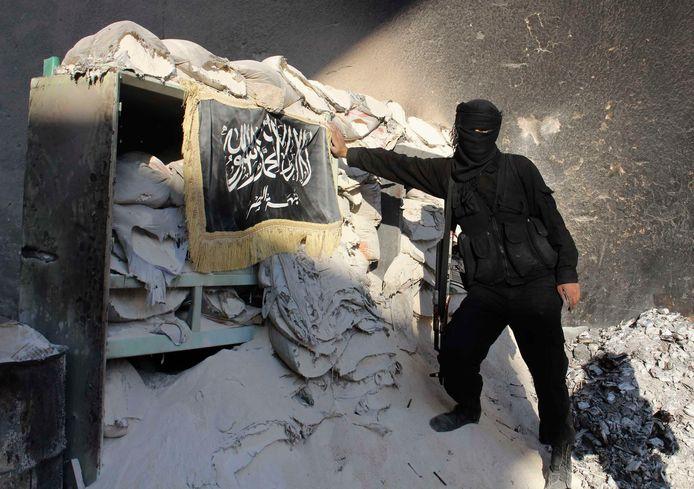 Een strijder Jabhat al Nusra in Syrië