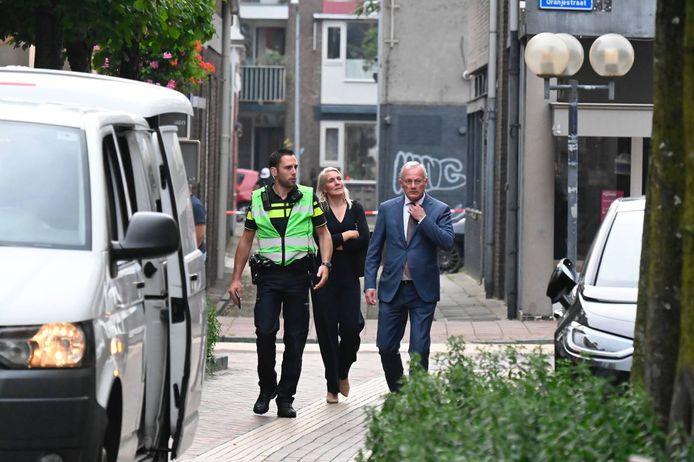 Burgemeester Gerritsen kwam persoonlijk een kijkje nemen in Almelo.