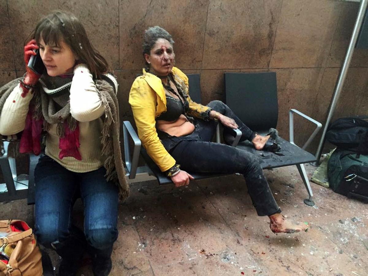 De foto van de Indische stewardess ging na de aanslag op de luchthaven van Zaventem de wereld rond.