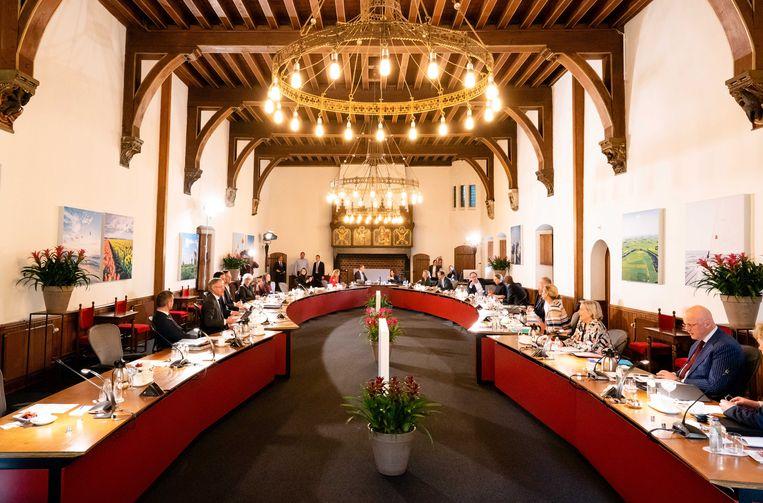 Het kabinet vergadert voor het eerst in de Rolzaal. Beeld EPA